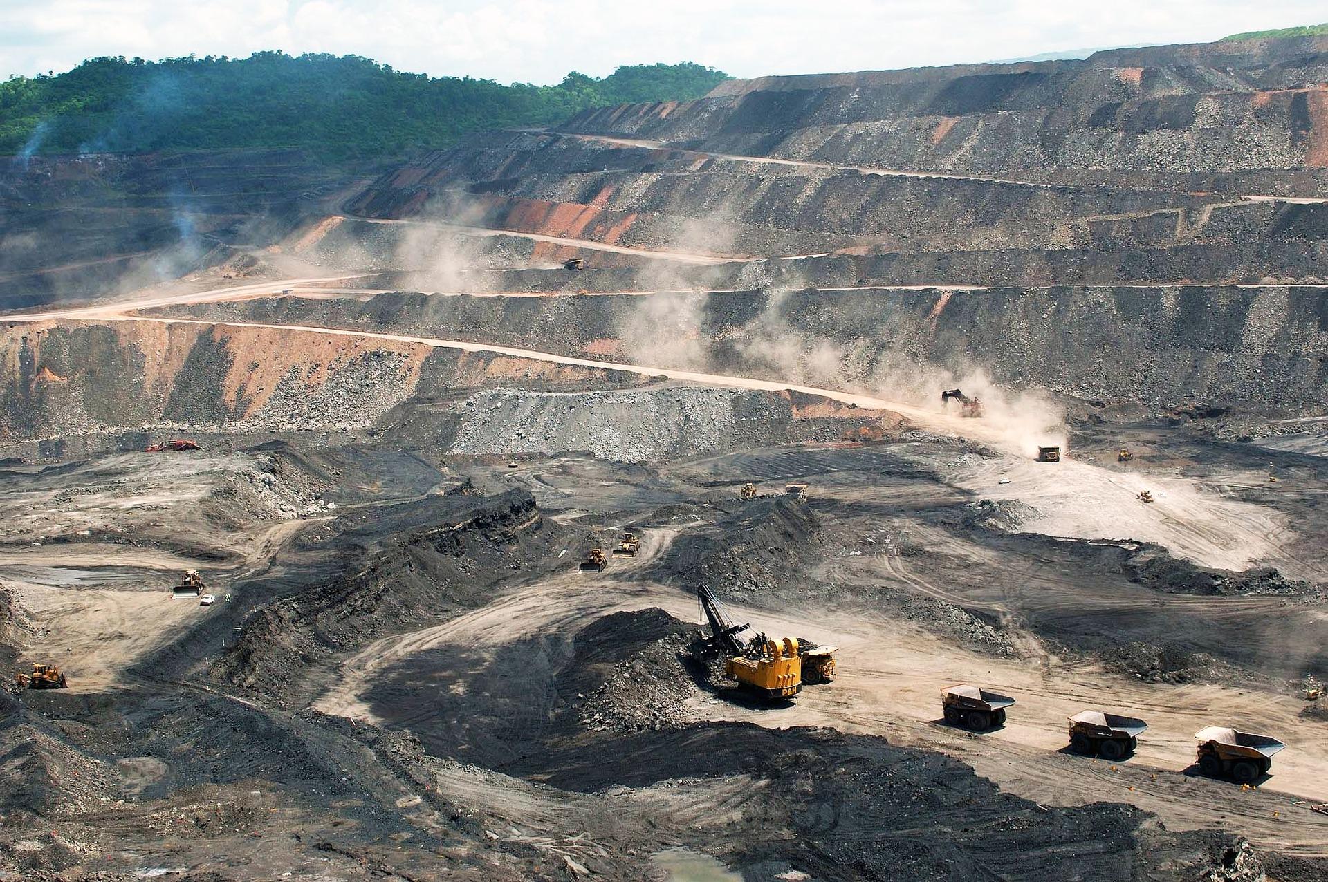 鉱山の画像