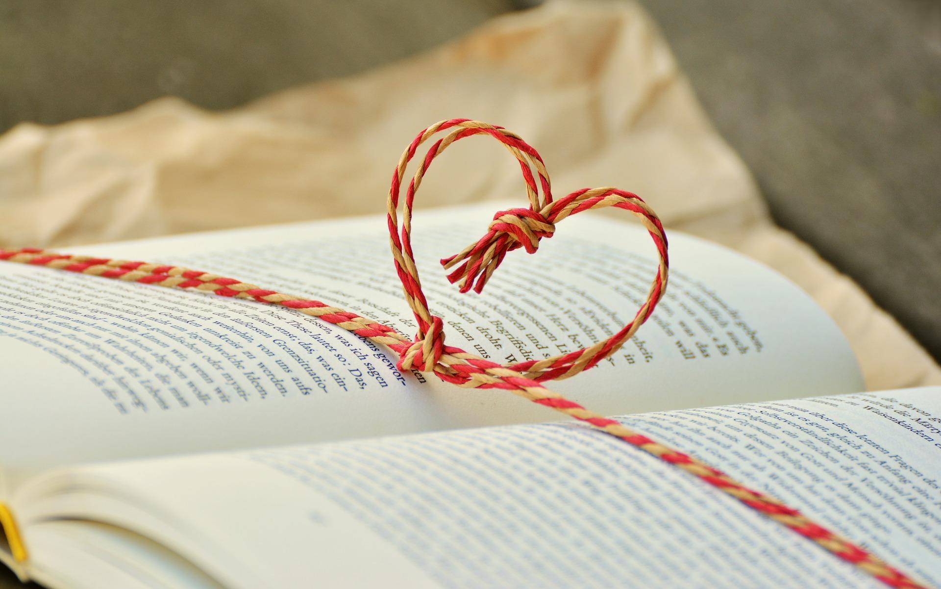 本のプレゼントの画像