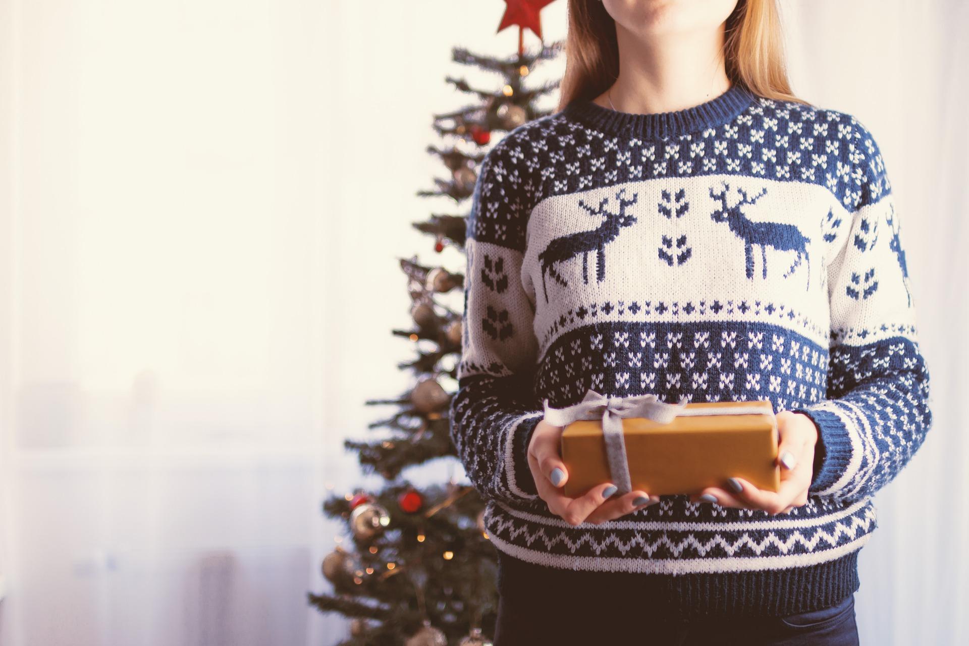 クリスマスと女の子の画像