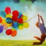 風船を抱えている子供