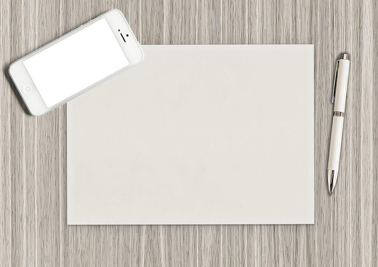 スマートフォン 白紙 白いペン